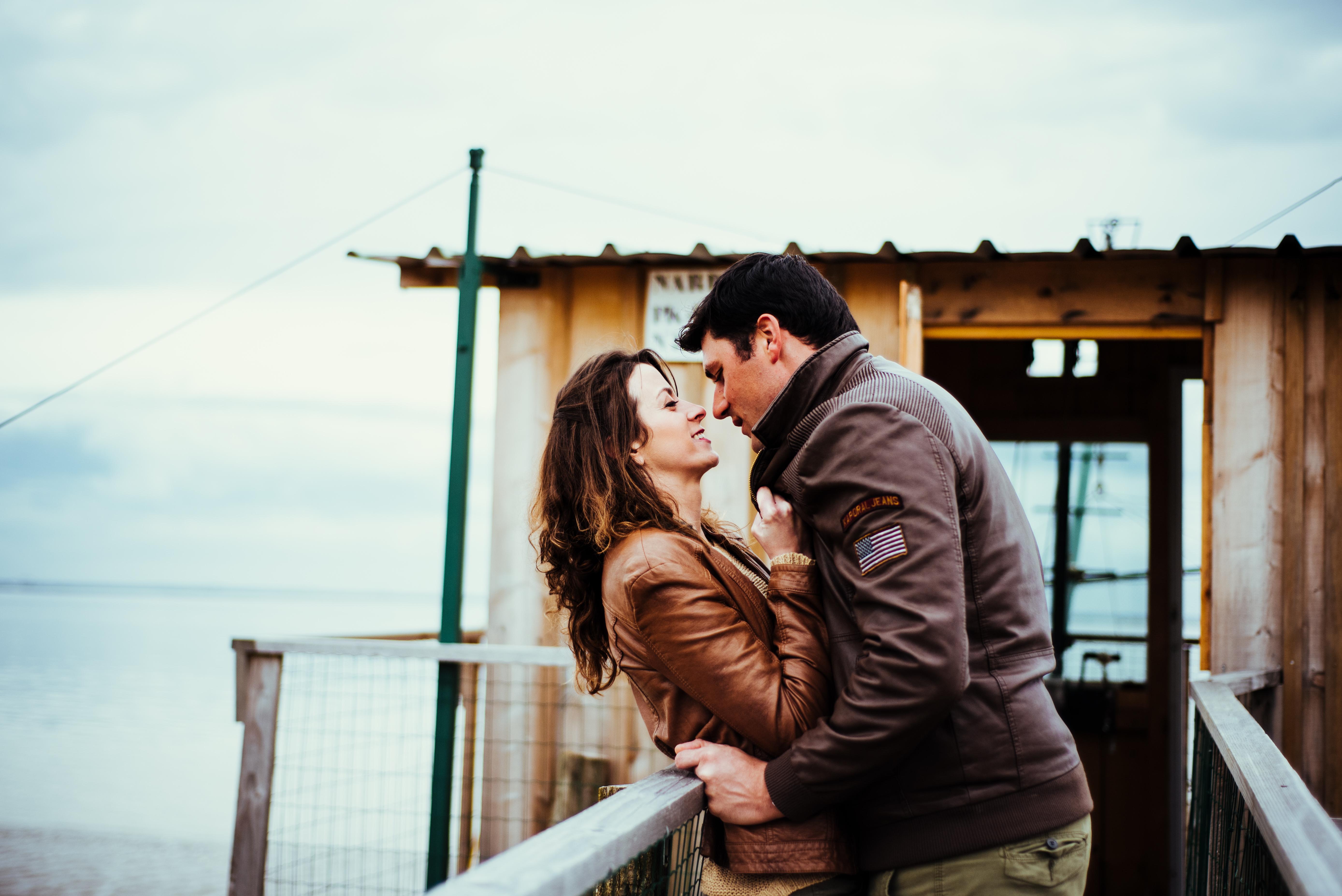 Photographe de mariage en GIronde, Dordogne et Bordeaux, cette séance couple a été réalisée dans le Médoc du côté de Pauillac et Hourtin