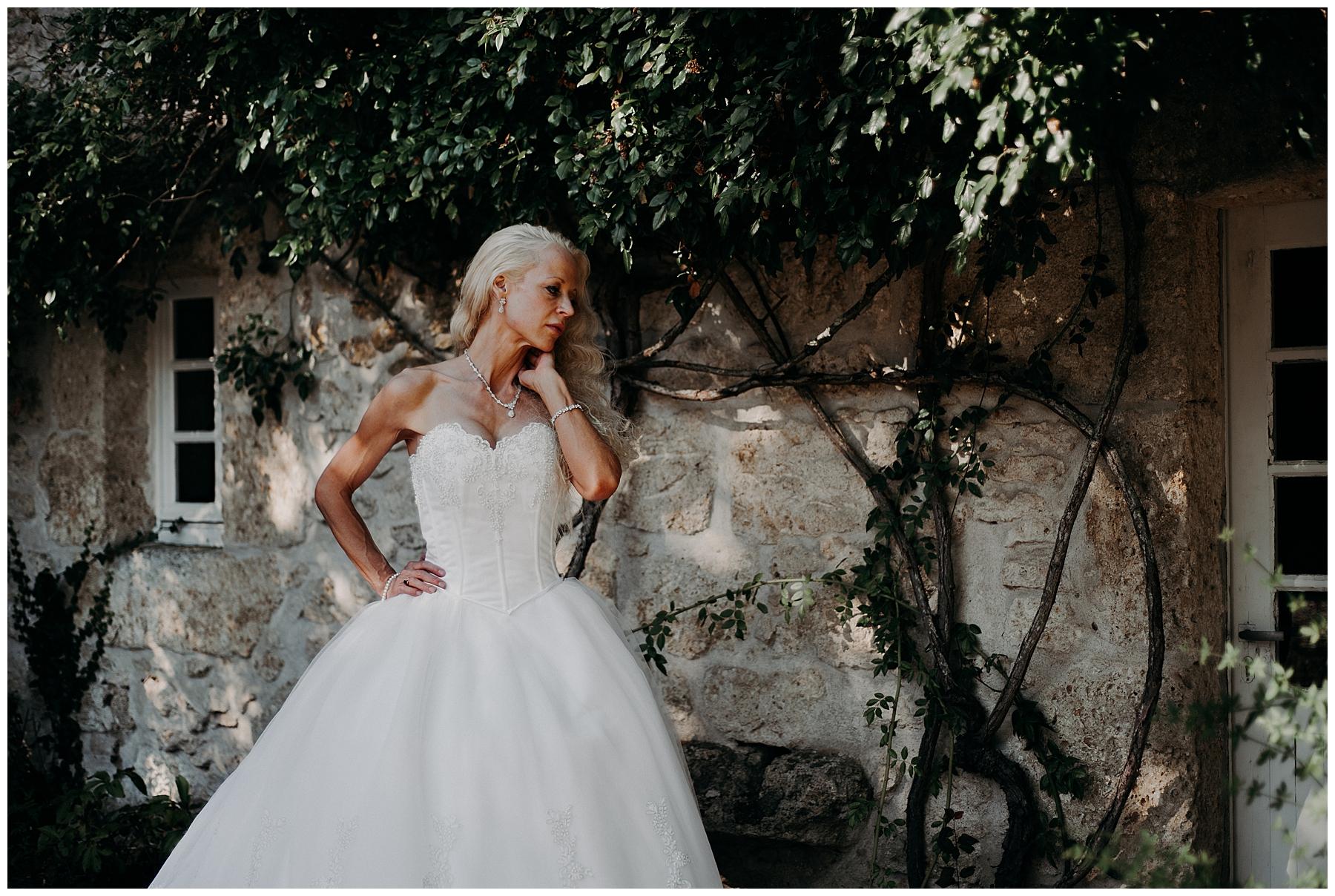 séance couple mariés parc château mondésir en Dordogne