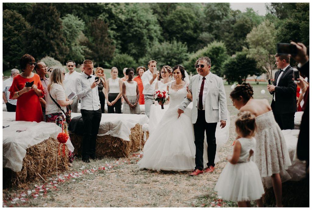 arrivée de la mariée, cérémonie laÏque, photographe mariage bordeaux