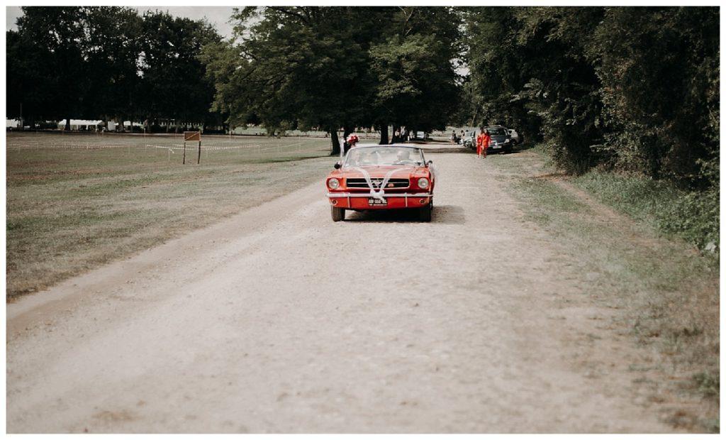 voiture, arrivée des mariés, chateau, photographe mariage bordeaux