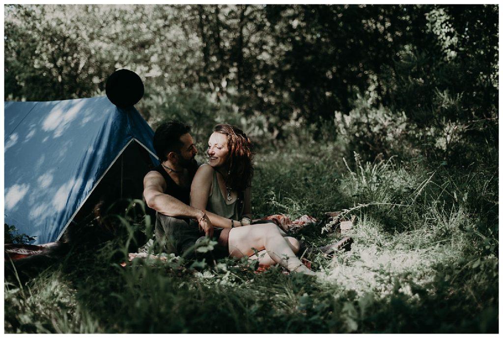 séance couple sous la tente