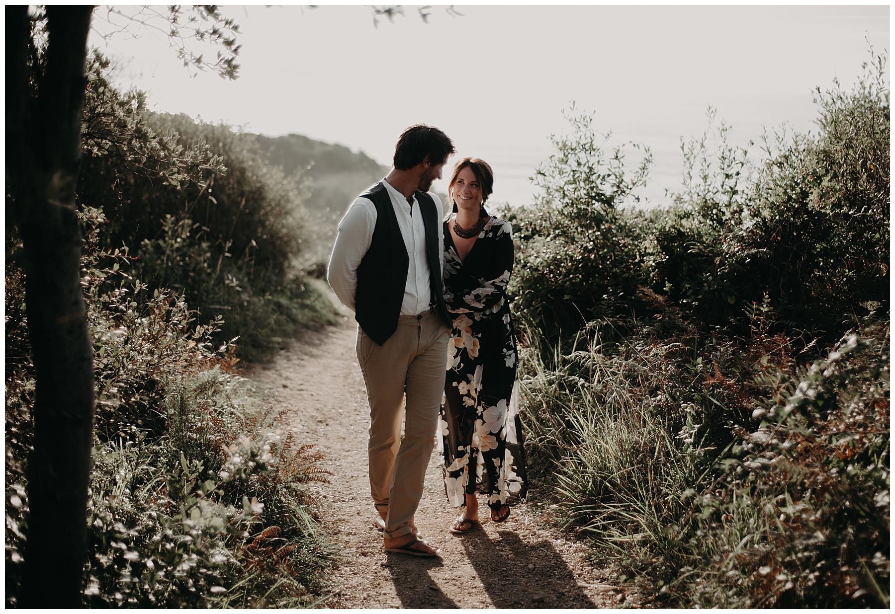balade du couple à Saint Jean de Luz, photographe pays basque