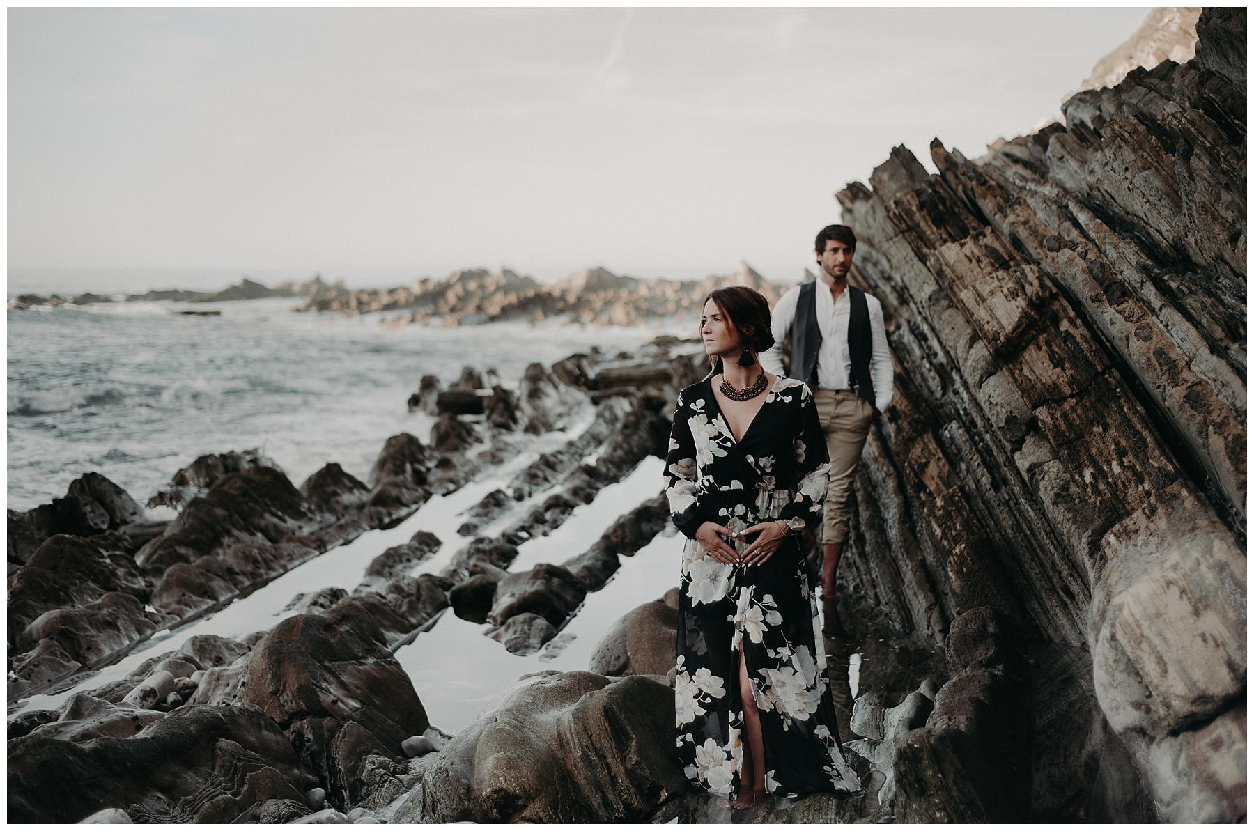 couple sur les falaise de saint jean de luz