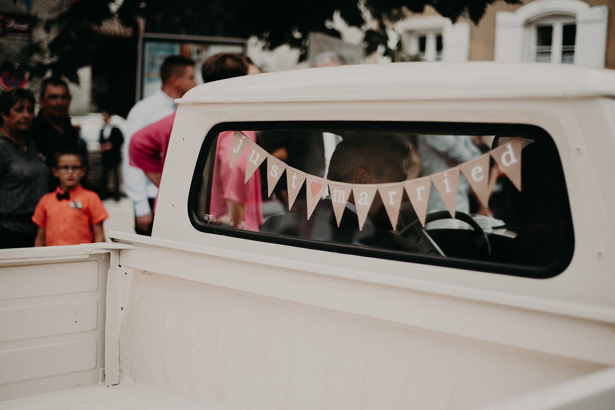 décoration voiture des mariés, mariage bordeaux