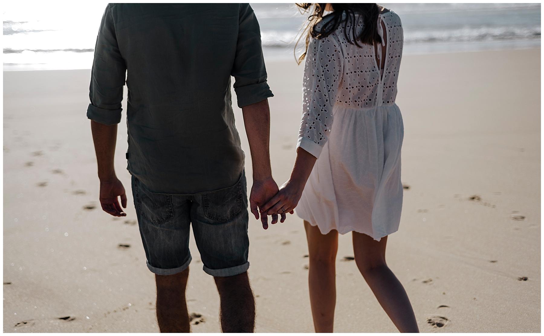 couple sur la plage à Arcacchon, photographe mariage arcachon