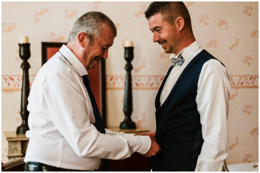 préparatifs du marié, château d'essendieras, mariage dordogne