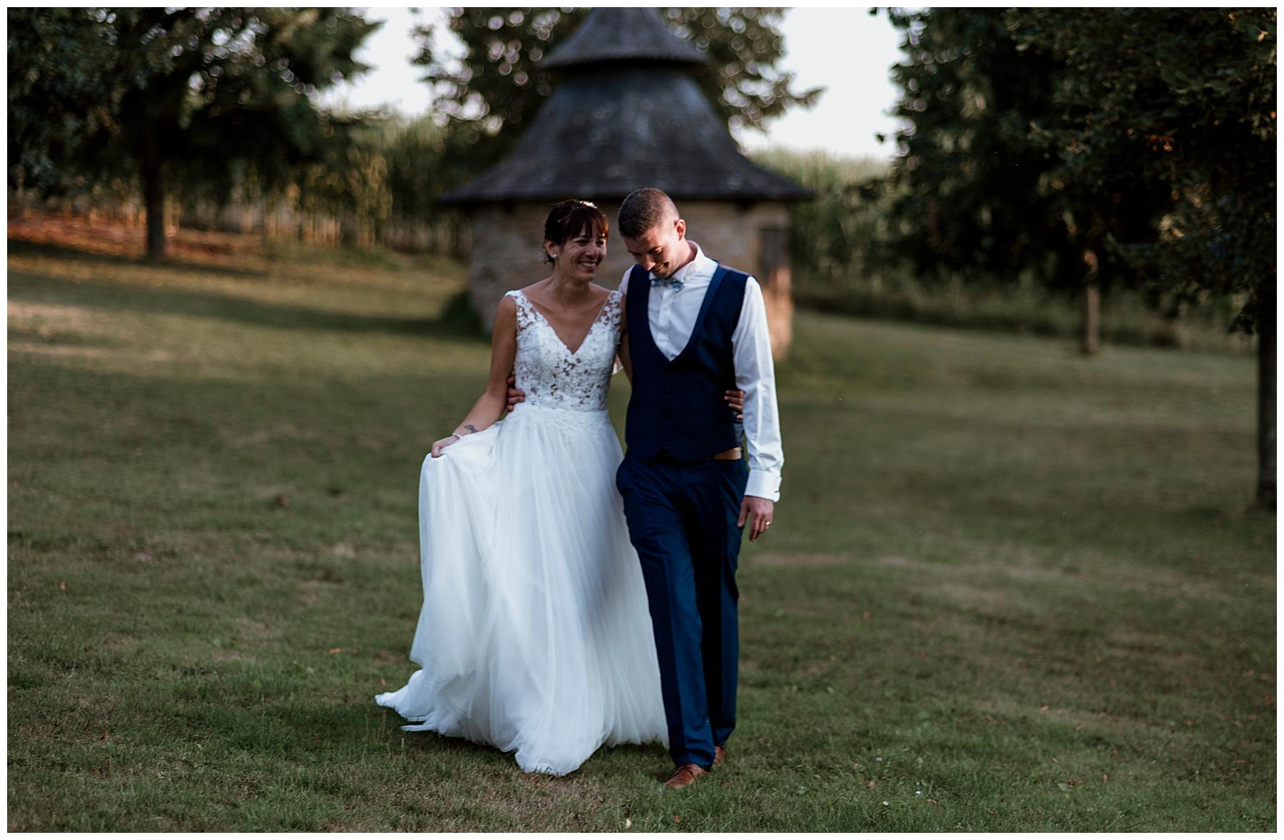 Couple de marié en dordogne, mariage dordogne, photographe mariage dordogne